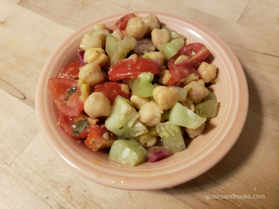 Chickpea cucumber salad