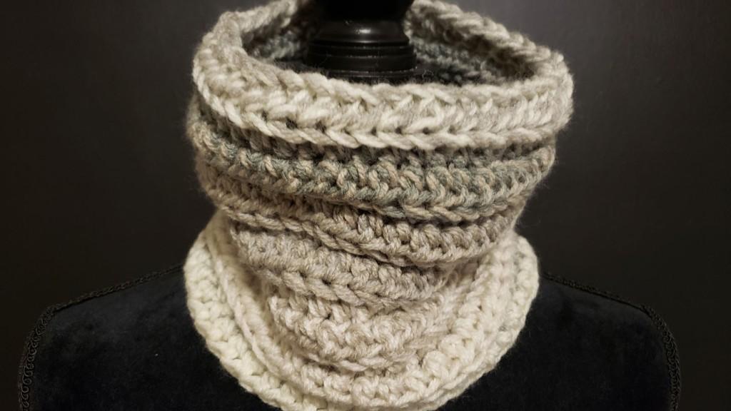 Free crochet pattern: Stash-busting cowl